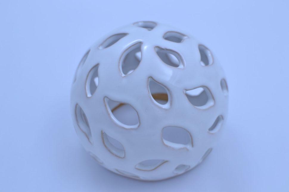 Dekorativní koule Slzy 15 cm Bílá